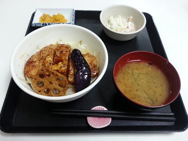 豚ロース焼丼 マカロニサラダ付き