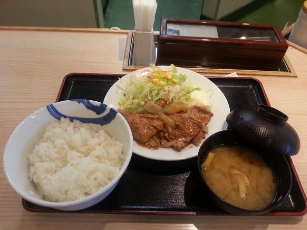 松屋 豚肩ロース生姜焼定食 ご飯大盛りo(^o^)o