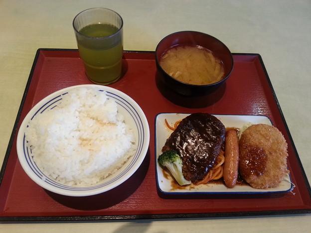 まいどおおきに食堂で飯デース(*^^*)