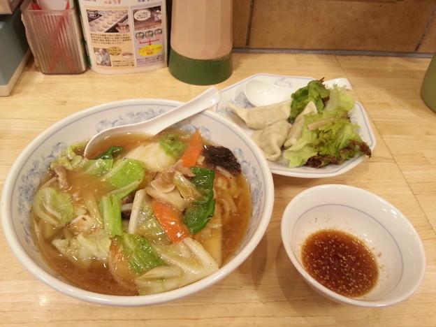 餃子の満州 あんかけラーメン 水餃子