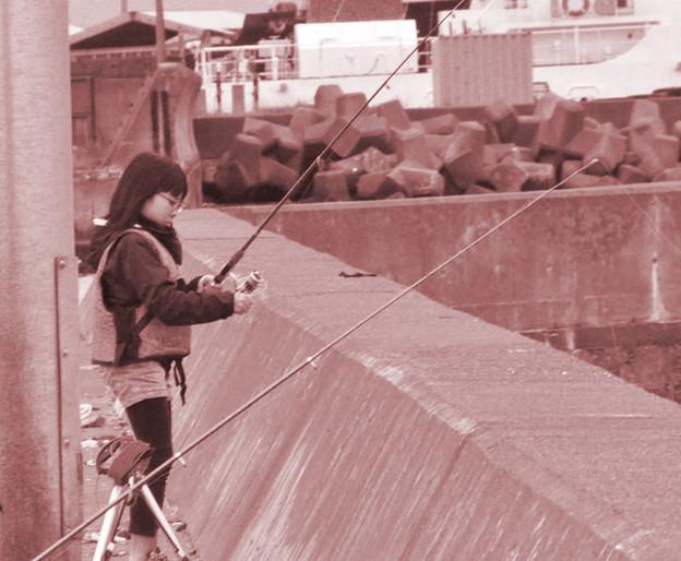 写真: 釣りガール