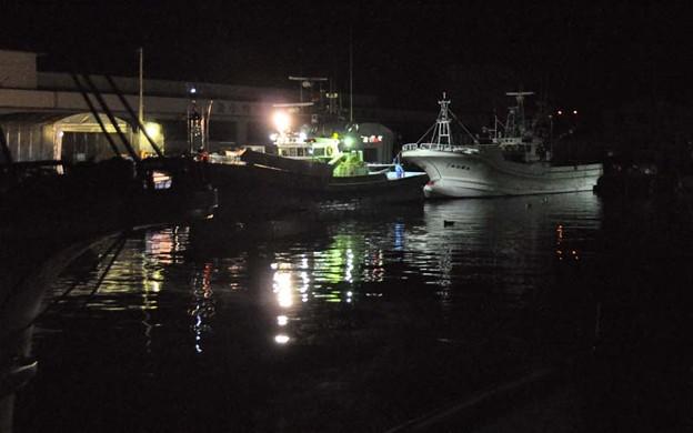 真夜中の漁港