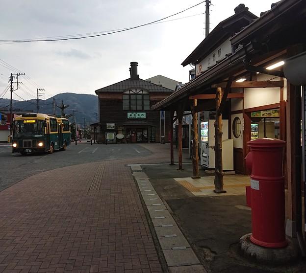 JR御殿場線 山北駅 丸ポストとバス2
