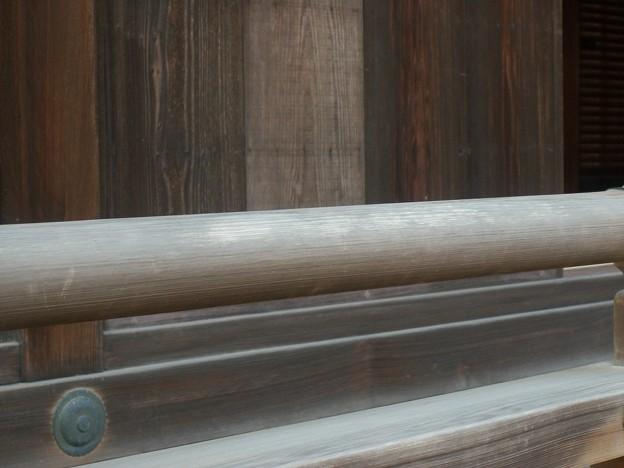 Photos: 御常御殿北東端高欄の傷