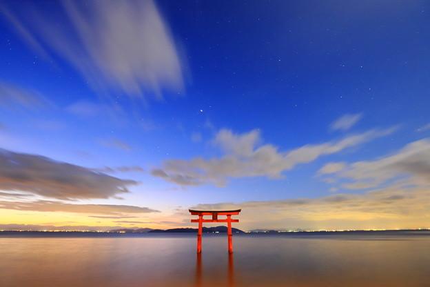 写真: 白髭神社黎明
