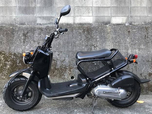 AF58 ズーマー 黒 キャブ (1)