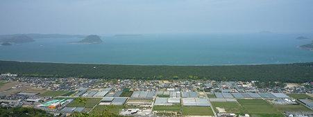 鏡山から虹ノ松原を見る