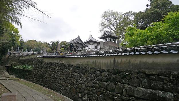 寺院と教会の見える風景 (4)