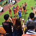 Photos: VS松本 勝利の挨拶 場内一周