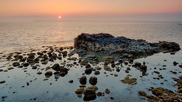 淺海(子瓜)岩