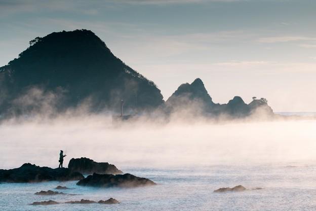 海霧&釣り人