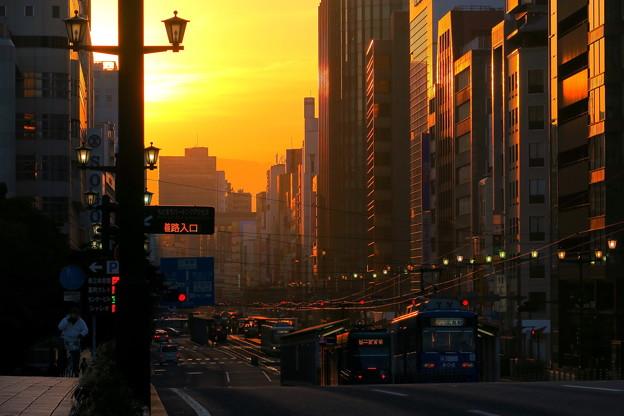 朝焼けの街
