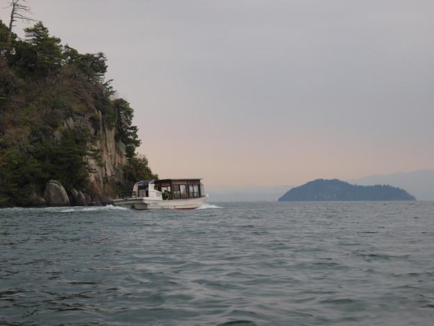 9 桜見船と竹生島