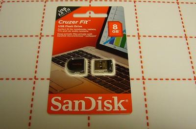 151001-1 極小USBメモリ