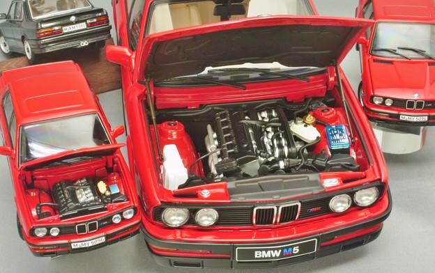 写真: modelcar AUTOart BMW M5 E28 1987