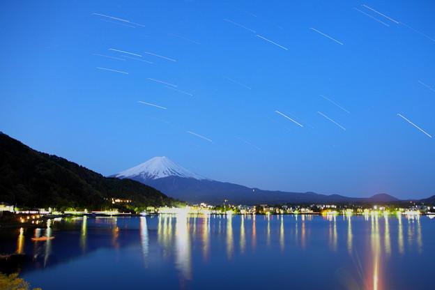 星降る富士山 夜明け前(2)