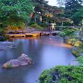 写真: 曲水と雁行橋
