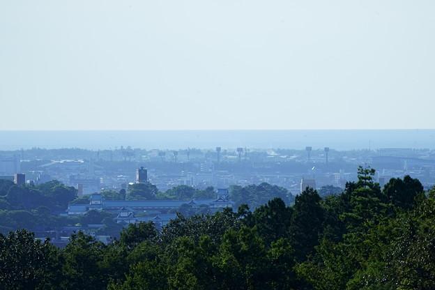 日本海と金沢城