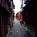 写真: 金沢 主計町茶屋街(かずえまち)