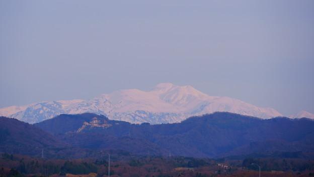 まだ真っ白の白山