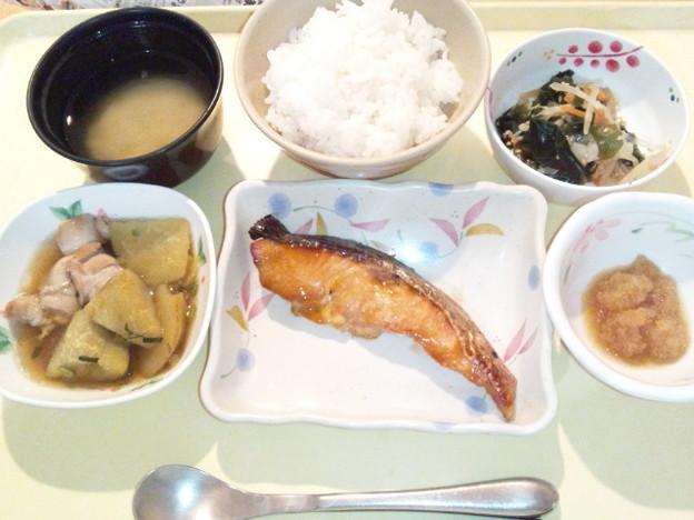 3月19日夕食(鮭の照り焼き) #病院食
