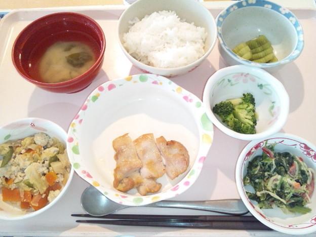 3月23日昼食(鶏のにんにく醤油焼き) #病院食