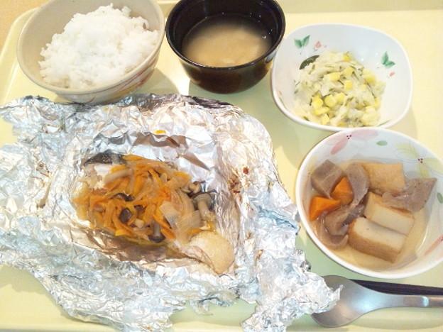 9月17日夕食(鮭のバターホイル焼き) #病院食