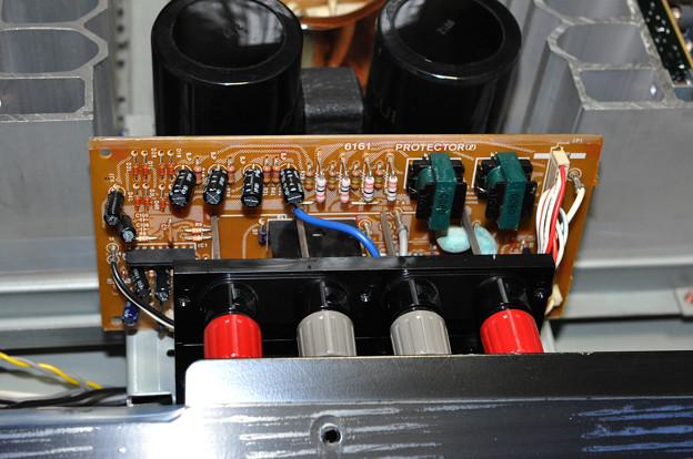 AU-a607NRA2スピーカー端子_3