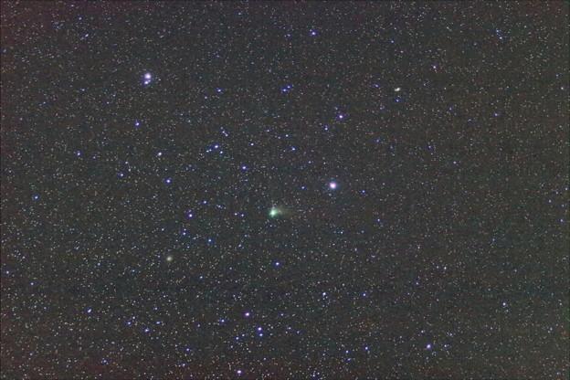 カタリナ彗星と回転花火銀河と子持ち銀河