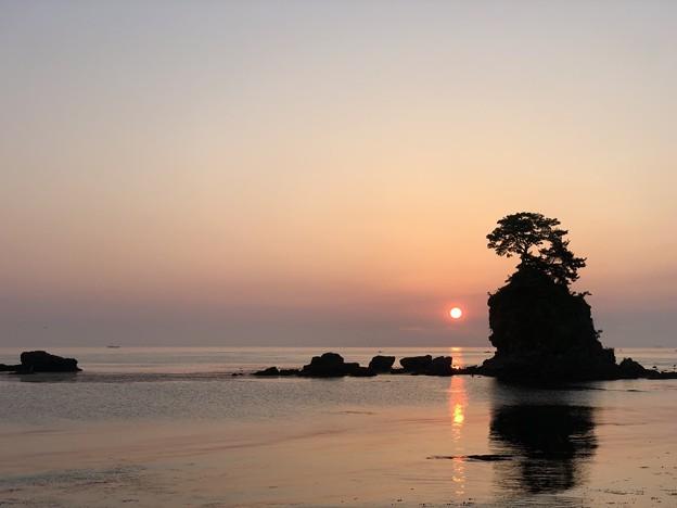 雨晴海岸の朝