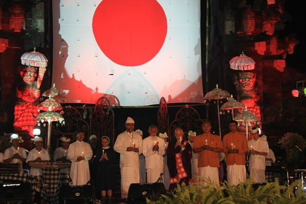 bali_love-and-friendship-for-japan01_5932383053_o