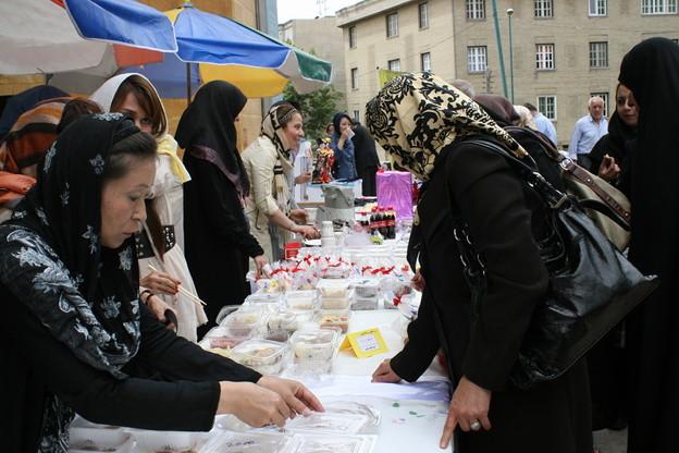 iran_charity_bazar_5831771974_o