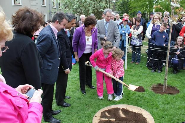 ireland_tree_planting_5761666286_o