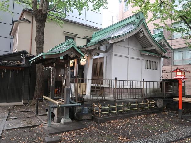 銀杏稲荷拝殿2