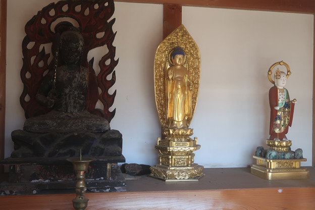 古戸の三仏堂