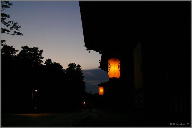 写真: 月待つ