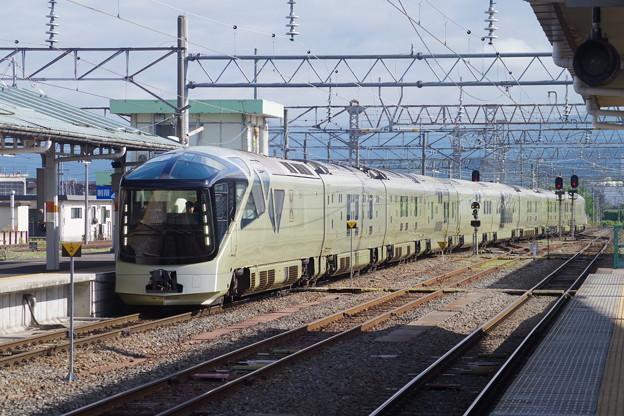 E001系「TRAIN SUITE 四季島」 (1)