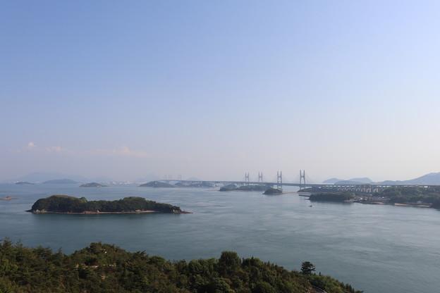 写真: 島から島へと