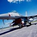 Photos: 横田基地。。三沢のF-16指令機 ダイナミックなフォルム。。