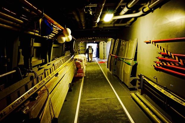 まるで秘密の通路。。護衛艦内。。横須賀基地一般公開10月10日