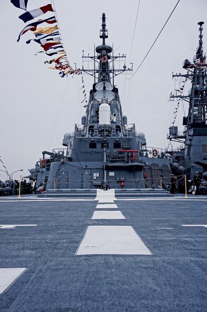 護衛艦むらさめの後方甲板。。横須賀基地一般公開10月10日