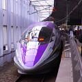 1日1往復の貴重な時間。。小倉駅11番線へエヴァンゲリオン仕様500系初号機。。11月21日