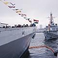 逸見岸壁からインド海軍サヒャドリとフランス海軍ヴァンデミエール。。観艦式前日一般公開10月17日