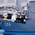 スカレーと自衛官ダッフィーシェリーメイたち。。護衛艦ちびしま。。観艦式前日一般公開10月17日