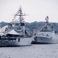 Photos: 軍港めぐりの船を乗船して。。逸見岸壁のインド海軍サヒャドリとフランス海軍ヴァンデミエール 10月17日