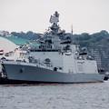 軍港めぐりの遊覧船から見るインド海軍サヒャドリ船体。。10月17日