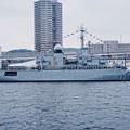 軍港めぐりの遊覧船から見るフランス海軍ヴァンデミエール船体。。10月17日