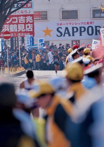 Photos: 見えた東洋大。。最後のスパート。。箱根駅伝鶴見中継所1月3日