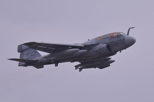 ある日の厚木基地・・岩国から飛来したVMAQ-2 CY03 デスジェスターズ EA-6Bプラウラー テイクオフ1・・20150321