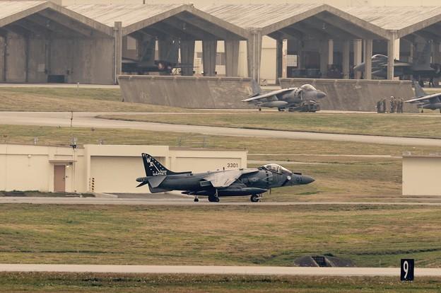 VMA-214Blackcheaps WE01隊長機 ハリアー。。給油終えてエプロンサイドへ 20160212